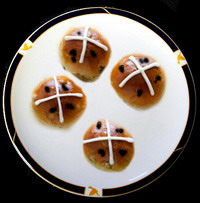 Hot Cross Buns using Icing